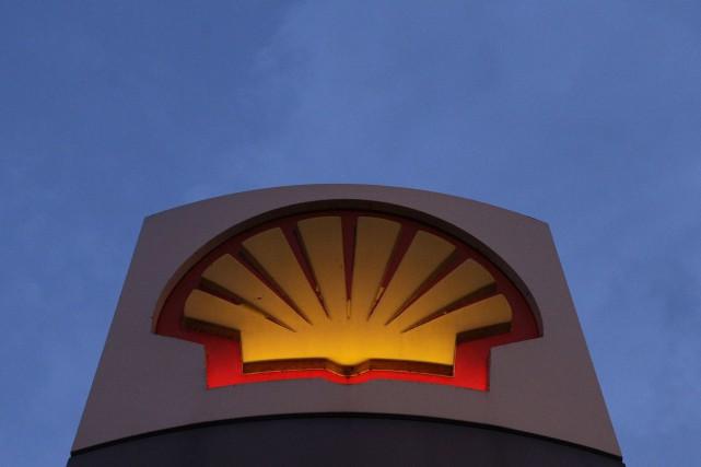 Shell Canada a annoncé vendredi son intention de réduire son effectif du projet... (Photo SHAUN CURRY, Archives AFP)