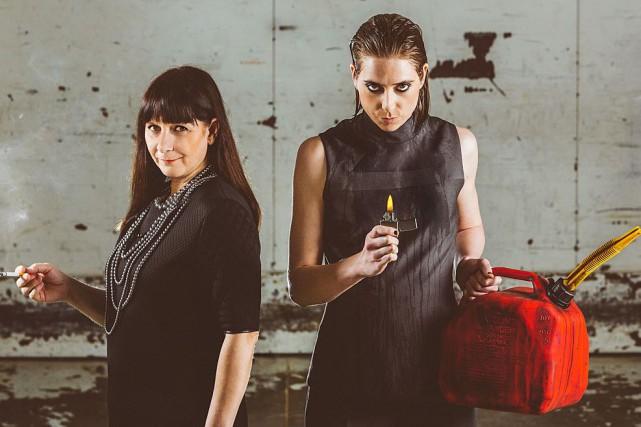 Lise Castonguay et Ève Landry dans la pièce... (Photo Hélène Bouffard et Stéphane Bourgeois, fournie par Le Trident)