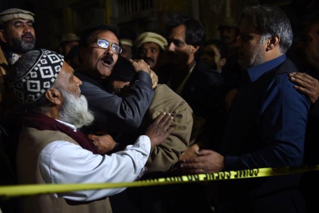 Au moins sept personnes ont été tuées et quinze autres blessées vendredi dans... (Photo FAROOQ NAEEM, AFP)