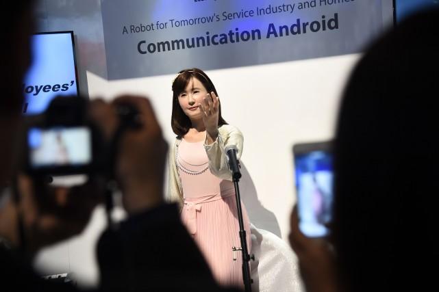 Le robot humain de Toshiba... (Photo ROBYN BECK, AFP)