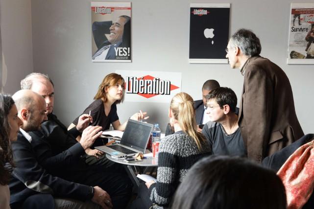 La presse française tentait d'analyser les événements des... (Photo AFP)