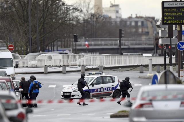 Trois Trifluviennes d'origine actuellement en France ont vécu... (AFP)