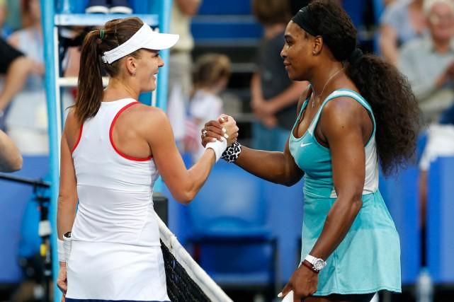 Agnieszka Radwanska a battu Serena Williams en trois... (PHOTO THERON KIRKMAN, AP)
