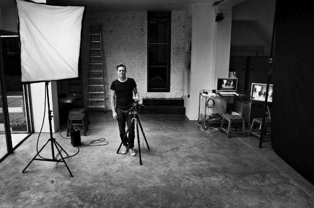 Bryan Adams: autoportrait... (Bryan Adams, Londres, 2011)
