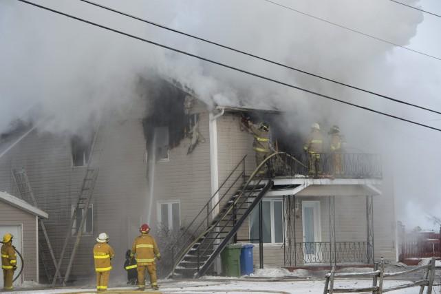 Un incendie s'est déclaré vers 13h45, hier, dans... ((Photo Frédéric Cantin))