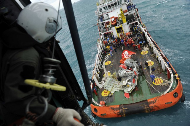 Les signaux sont situés à environ 3,5 km... (Photo Prasetyo Utomo, Reuters)