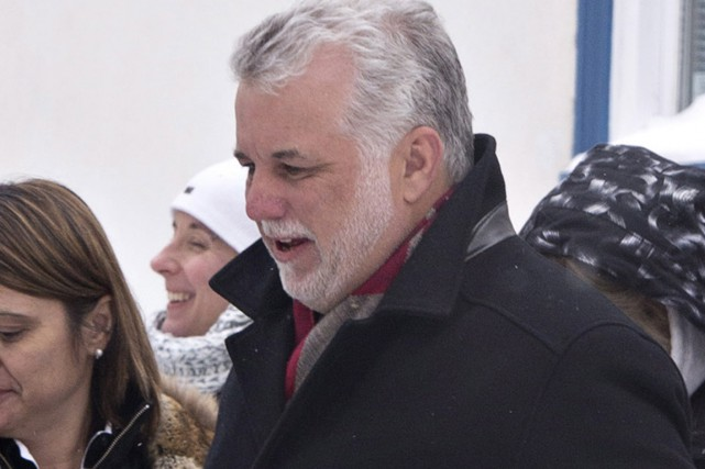 Philippe Couillard... (Photo Jacques Boissinot, La Presse Canadienne)