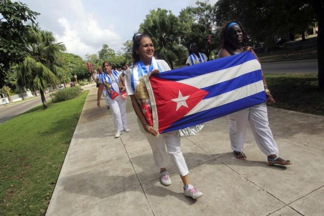 Libérées récemment, les dissidentes Aide Gallardo (à gauche)... (PHOTO REUTERS/STRINGER)