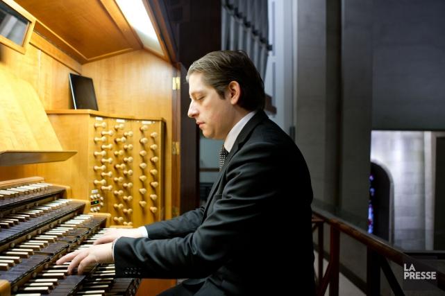 L'organiste Vincent Boucher est aussi conseiller en placements... (PHOTO MARCO CAMPANOZZI, LA PRESSE)