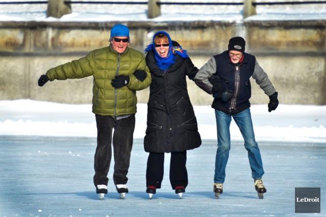 C'est maintenant fait, la patinoire du canal Rideau est ouverte depuis samedi... (Martin Roy, LeDroit)
