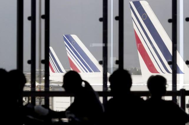 La compagnie Air France a annoncé mardi la réouverture à partir d'avril de la... (PHOTO KENZO TRIBOUILLARD, ARCHIVES AFP)
