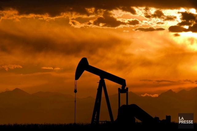 Les prix du pétrole ont fini en forte baisse lundi à New York, tombant à des... (Photo Archives AFP)