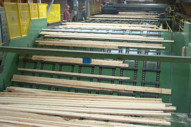 Des fermetures additionnelles d'usines de sciage sont nécessaires... ((Archives))