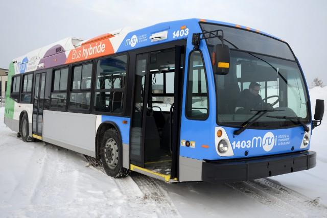Nouvelle image, nouveau véhicule hybride, la STS offre... ((Photo Jeannot Lévesque))