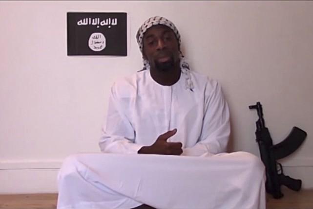 Amedy Coulibaly déclarant son allégeance augroupe armé État... (PHOTO REUTERS)