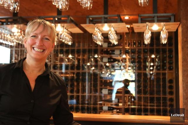 Le bar à vin de la sommelière Véronique... (Photo PATRICK WOODBURY, Le Droit)