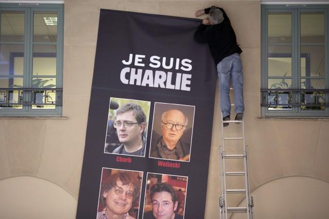 Dans son édition à paraître mercredi, le Canard... (Photo VALERY HACHE, AFP)