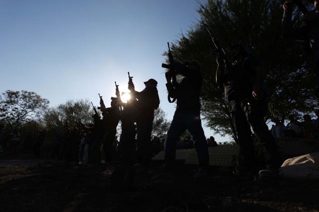 Les milices d'autodéfense tendent maintenant à se retourner... (PHOTO ARCHIVES AFP/STR)
