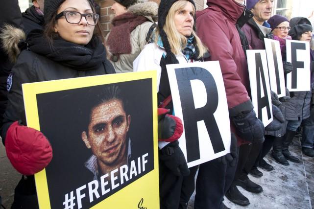 Un rassemblement a lieu ce mardi à Montréal... (Photo La Presse Canadienne)