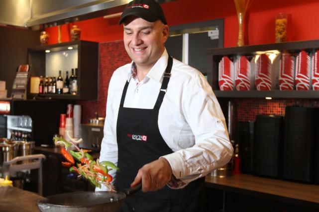 Karim Barake, président du franchiseur Mia Pasta.... (PHOTO STÉPHANE CHAMPAGNE, COLLABORATION SPÉCIALE)