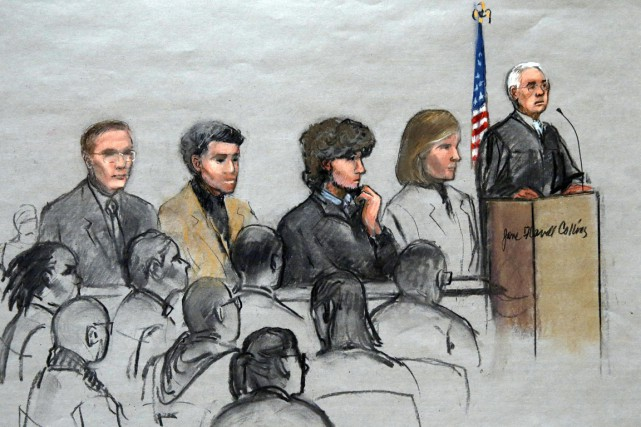 Les avocats de Djokhar Tsarnaev (3e en partant... (ILLUSTRATION JANE FLAVELL COLLINS, ARCHIVES AP)