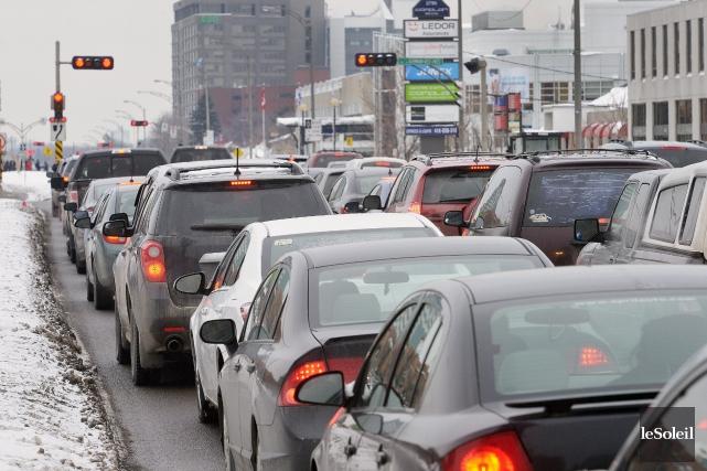 Québec: une ville de voitures, selon un lecteur.... (Photothèque Le Soleil, Jean-Marie Villeneuve)