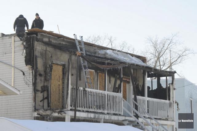 Un incendie a lourdement endommagé un duplex de... (Photo: Sylvain Mayer Le Nouvelliste)