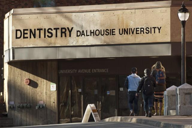 Selon les allégations, 13 étudiants en médecine dentaire... (Photo archives La Presse Canadienne)