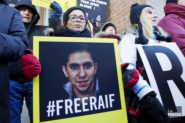 Raif Badawia reçu ses 50 premiers coups de... (PHOTO OLIVIER JEAN, LA PRESSE)