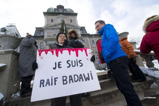 Le Québec est prêt à accueillir Raif Badawi s'il est libéré, a fait valoir le... (Archives La Tribune)