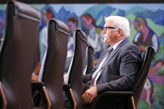Le ministre allemand des Affaires étrangères, Frank-Walter Steinmeier... (Photo FABRIZIO BENSCH, Reuters)
