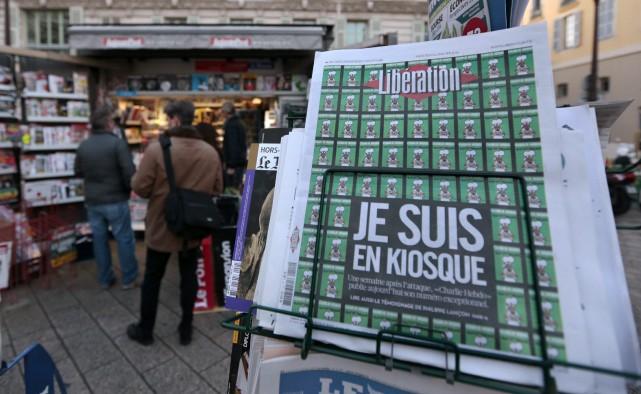 Libération a quintuplé ses ventes.... (Photo ERIC GAILLARD, Reuters)