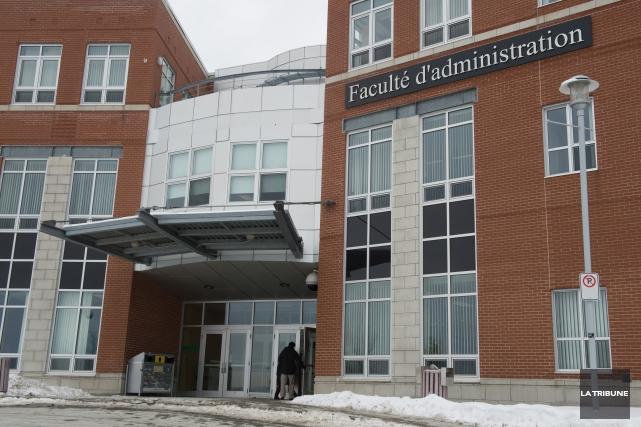 L'Université de Sherbrooke créera une nouvelle concentration en entrepreneuriat... (Archives La Tribune, Jessica Garneau)
