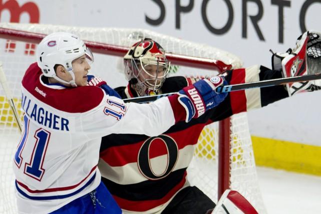 Gallagher accomplit une chorégraphie improvisée avec Anderson.... (Photo La Presse Canadienne)