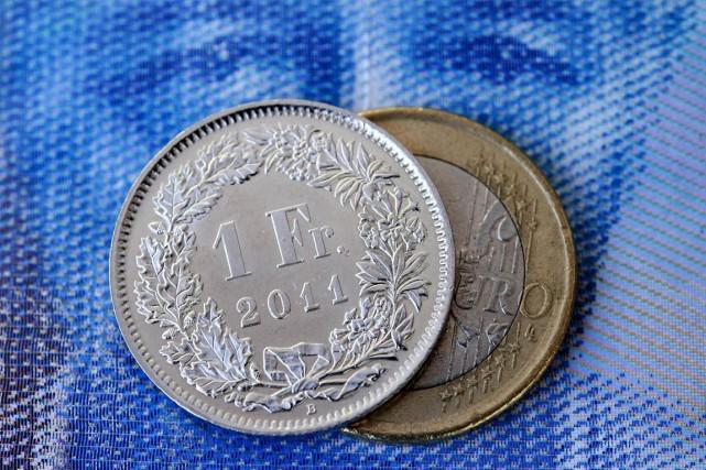 Qui osera encore dire que la politique monétaire est un sujet aussi ennuyant... (Photo AFP)