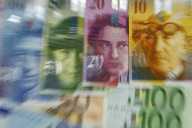Un pas de plus a été franchi mercredi par les autorités suisses vers la levée... (Photo Reuters)