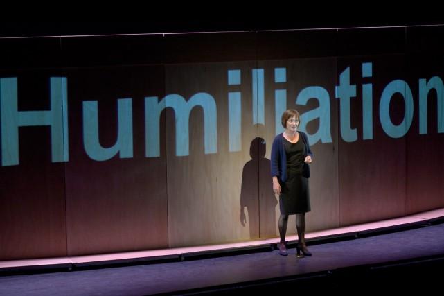 Annick Bergeron incarne avec beaucoup d'aisance et de... (PHOTO PASCAL GELY, FOURNIE PAR LA PRODUCTION)