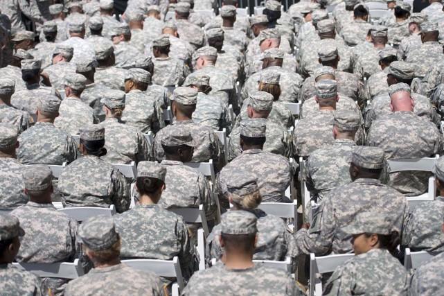 Plus de 400 militaires américains entraîneront et équiperont... (PHOTO BRENDAN SMIALOWSKI, ARCHIVES AFP)