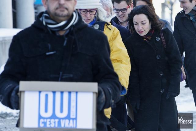 Martine Ouellet lors du dépôt de son bulletin... (Photo Patrick Sanfaçon, La Presse)