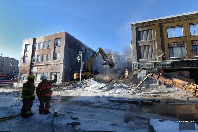 Samedi matin, la démolition de l'édifice situé au... (IMACOM, Maxime Picard)
