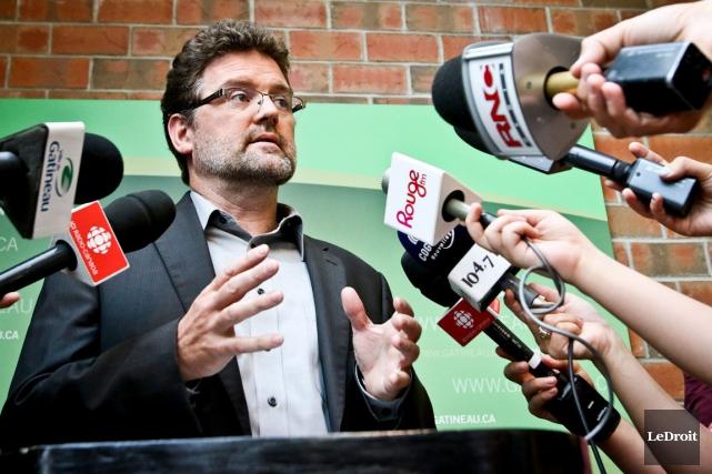 Le maire Maxime Pedneaud-Jobin a confirmé qu'une équipe... (Patrick Woodbury, archives LeDroit)