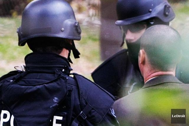 L'escouade tactique de la police d'Ottawa est intervenue dans le sud-est... (Archives, LeDroit)