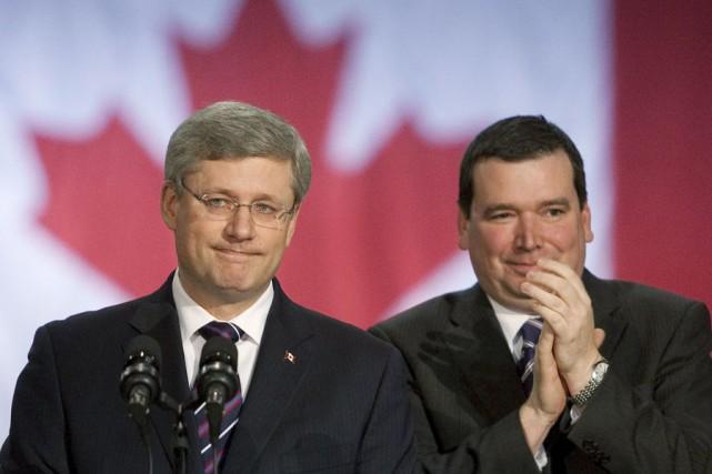 Stephen Harper et son lieutenant québécois Christian Paradis.... (Archives, La Presse Canadienne)