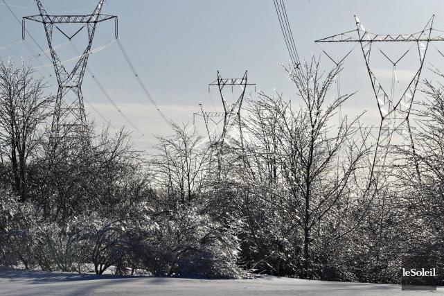 Hydro-Québeca expliqué la progression de 15 % de... (Photothèque Le Soleil)