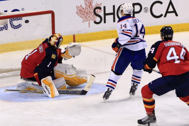 Les Oilers d'Edmonton remportent la victoire de 3-2... (Photo Robert Mayer, USA TODAY Sports)