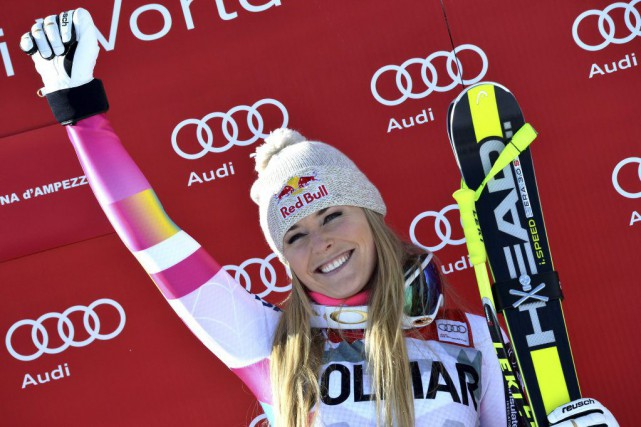 Lindsey Vonn poursuit sa domination.... (PHOTO ALBERTO PIZZOLI, AFP)