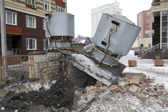 Les combats pour l'aéroportde Donetsk et ses alentours... (PHOTO ALEKSANDER GAYUK, AFP)
