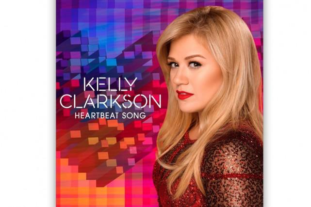 Il y avait près de deux ans que Kelly Clarkson n'avait pas lancé un simple de...