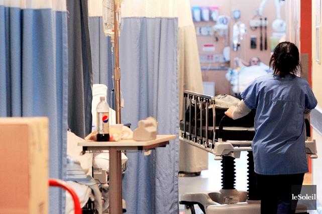 Les travailleurs de la santé ainsi que leurs... (PHOTO ARCHIVES LE SOLEIL)