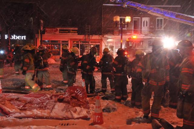 Un restaurant spécialisé en cuisine antillaise a été ravagé par un incendie... (PHOTO SYLVAIN RYAN, COLLABORATION SPÉCIALE)